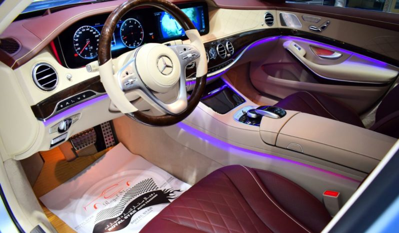 MERCEDES BENZ S 560 2018 GCC FULL OPTION full