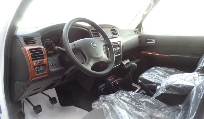 FOR LOCAL SALE BRAND NEW NISSAN SAFARI 7STR 4.8 V6 4WD M/T 2017 full